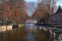 Pot des amours au bord du lac d'Annecy