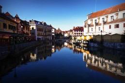 vieille ville bord du lac d'Annecy